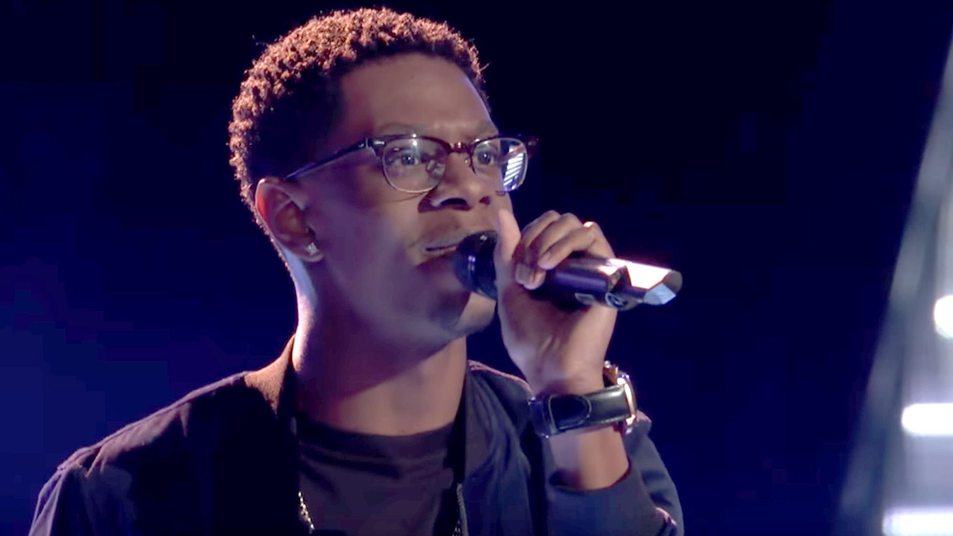 "Blind Audition of Brandon Showell ""There's Nothing Holdin' Me Back"" in the Voice 2017 Season 13"