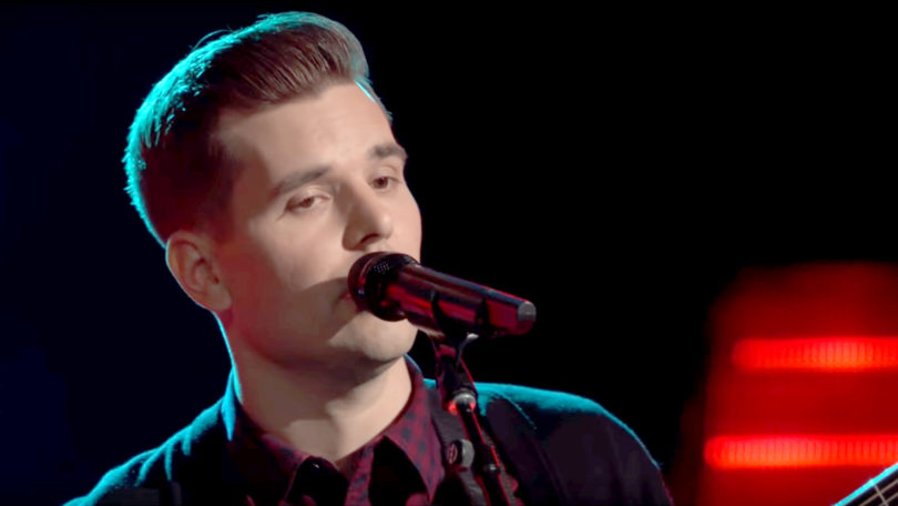 "Blind Audition of Dave Crosby ""I Will Follow You into the Dark"" in the Voice 2017 Season 13"