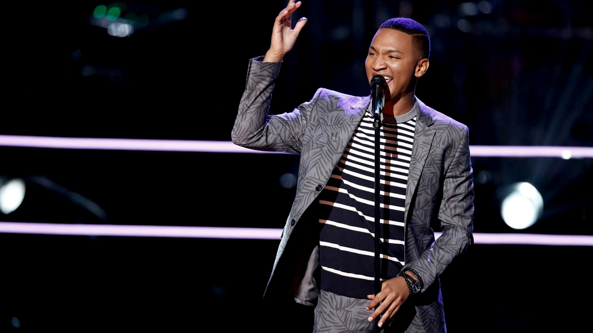 """Battle Round of Eric Lyn vs. Ignatious Carmouche """"Unaware"""" in the Voice 2017 Season 13 on 24 October 2017"""